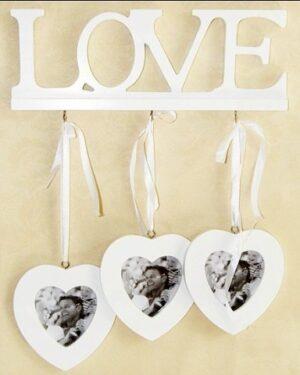 Деревянная рамка для фотографий с сердцами