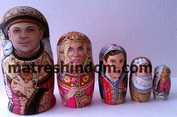 Заказать роспись портретной матрешки в царском стиле